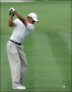 tiger_woods_swing_sequence_4
